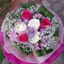 3-hot-pink-3-white-roses-hand-bouquet-4000.jpg