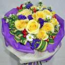 yr001-12-yellow-roses-hand-bouquet78.jpg
