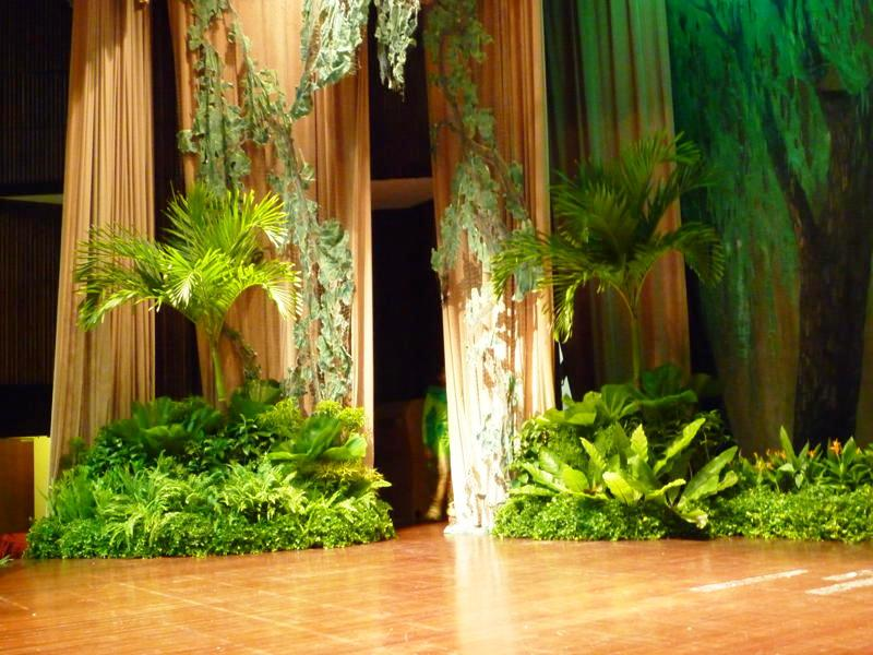 Event Display Tropical Theme Onstage Design